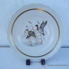 Antigüedades: PLATO DE PORCELANA VISTAALEGRE. Lote 35799793