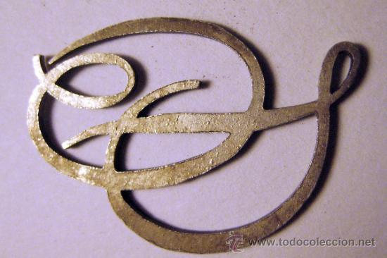 Antigüedades: INICIALES O y D ENLAZADAS. METAL CON ESMALTE AZUL CLARO. 3,2 X 2,3 CM - Foto 2 - 35841056