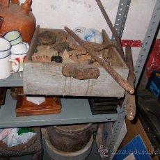 Antigüedades: CAJON DE MADERA MUY ANTIGUO. Lote 35842186