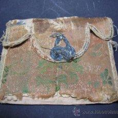 Antigüedades: ANTIGUO Y CURIOSO BOLSO RELIGIOSOS EN SEDA BROCADA, SG. XVIII O ANTEIROR. . Lote 35860380