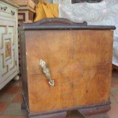 Antigüedades: MESILLA DE NOCHE. Lote 35874471