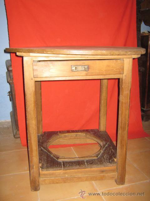 MESA RUSTICA EN MADERA DE CASTAÑO, CON BASE PARA BRASERO Y CAJÓN AUXILIAR. (Antigüedades - Muebles Antiguos - Mesas Antiguas)