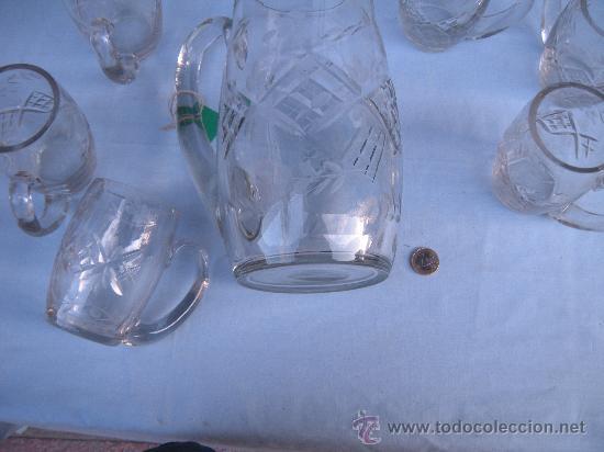 Antigüedades: JARRA GRANDE DE CRISTAL TALLADO CON 6 JARRAS PEQUEÑAS. SANTA LUCÍA, GRANJA ? - Foto 7 - 35981434