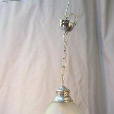 Antigüedades: LAMPARA DE TECHO EN METAL CON TULIPA DE CRISTAL. Lote 35952472