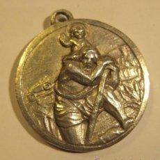 Antigüedades: MEDALLA SAN CRISTOBAL. SAN ANTONIO. PLATA. DIÁM. 2,3 CM PESO: 9 GR. Lote 36014599