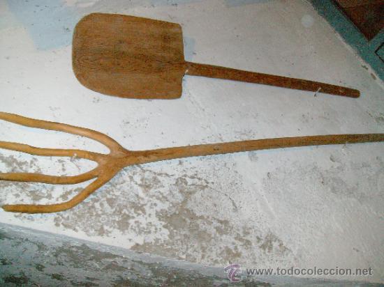 FORCA Y PALA DE MADERA ANTIGUAS. (Antigüedades - Técnicas - Rústicas - Agricultura)