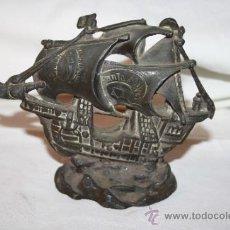 Antigüedades: ESCULTURA O PISAPAPELES. REPRODUCCIÓN EN PLOMO DE LA CARABELA 'SANTA MARÍA'. SIGLO XX. Lote 36161173