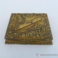 Antigüedades: CAJA DE CIGARRILLOS EN MADERA DORADA. Lote 36187751