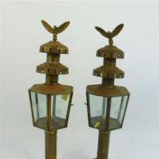 Antigüedades: 2 FAROLES DE SOBREMESA DE METAL ENVEJECIDO. Lote 36199592