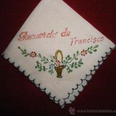 Antigüedades: PAÑUELO RECUERDO DE FRANCISCO, SEDA PINTADA, 16 CM DE LADO. Lote 36281248