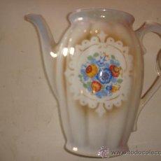 Antigüedades: ANTIGUA CAFETERA CON MOTIVOS FLORALES, DE LOS AÑOS 20. Lote 36265549