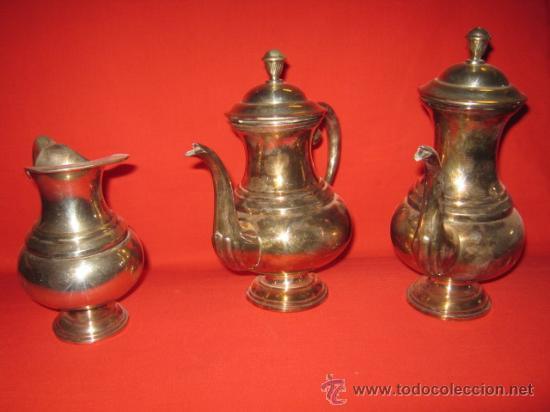Antigüedades: Cafetera y tetera de alpaca de bonitas formas. - Foto 2 - 26449557