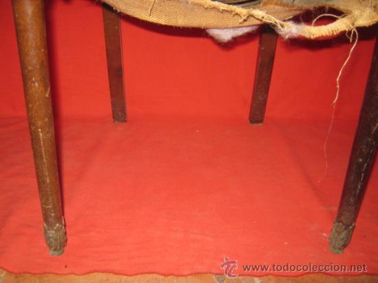 Antigüedades: Pareja de sillas auxiliares en madera de caoba con marquetería en su respaldo. - Foto 3 - 36703117