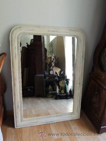 ESPEJO DE MADERA CON UN CORDON ALREDEDOR EN DECAPE (Antigüedades - Muebles Antiguos - Espejos Antiguos)