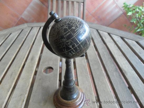 Antigüedades: ANTIGUO GLOBO TERRAQUEO EN METAL COBRE BRONCE NOMBRES TALLADOS EN INGLES Y CON PATINA BASE DE MADERA - Foto 4 - 36389481