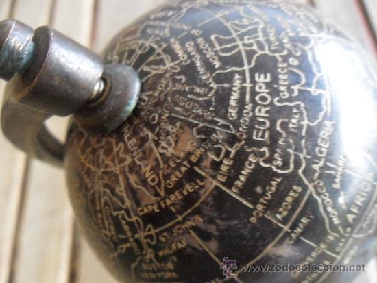 Antigüedades: ANTIGUO GLOBO TERRAQUEO EN METAL COBRE BRONCE NOMBRES TALLADOS EN INGLES Y CON PATINA BASE DE MADERA - Foto 5 - 36389481
