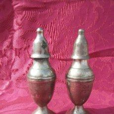 Antigüedades: SALERO Y PIMIENTERO.. Lote 36411662