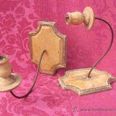 Antigüedades: APLIQUES. PORTAVELAS DE MADERA Y METAL.. Lote 36425162