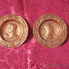 Antigüedades: PAREJA DE PLATOS EN COBRE REPUJADO.. Lote 36425889