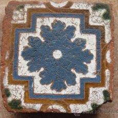 Antigüedades: AZULEJO ANTIGUO DE TOLEDO. TECNICA DE ARISTA O CUENCA. RENACIMIENTO. S/ XVI. Lote 36429141