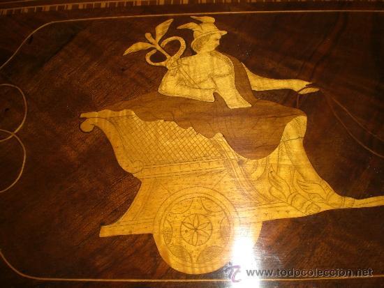 Antigüedades: Mesa Velador con pata central. S.XIX. Con marquetería.Caoba, Nogal, Limoncillo. Excelente estado. - Foto 7 - 36469399