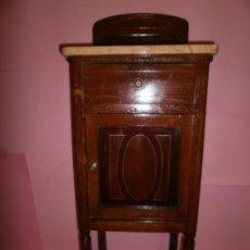 Antigüedades: MESITA DE NOCHE CON MARQUETERIA DEL S-XIX. Lote 36480205