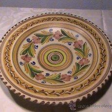 Antigüedades: GRAN PLATO PUENTE DEL ARZOBISPO. FIRMADO J.S.A. Lote 36565197