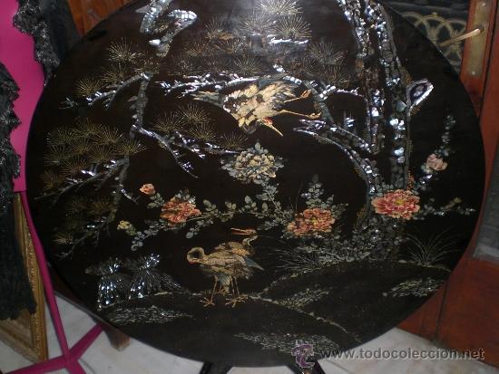 Antigüedades: Magnifica Mesa China. Plegable. Madera lacada. Con incrustaciones de NÁCAR. Excelente estado. - Foto 4 - 36579350