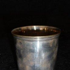 Antigüedades: ANTIGUO VASO EN METAL PLATEADO, MARCAS EN BASE. Lote 36581523