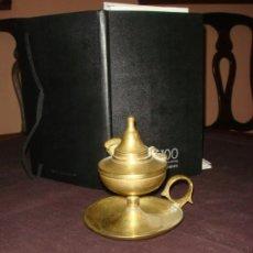 Antigüedades: RARA Y ORIGINAL LAMPARA DE MANO DE ACEITE Y MECHA EN BRONCE. CAPUCHINA. MUY ANTIGUA.. Lote 36586367