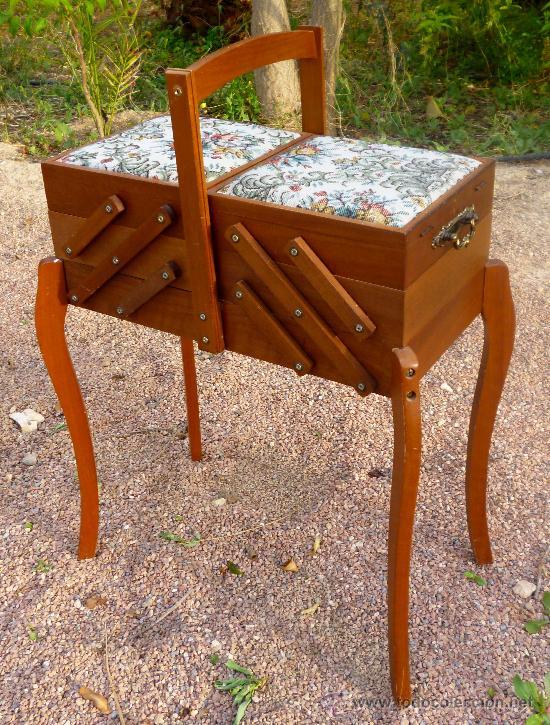 Antiguo mueble costurero con patas apertura aco comprar for Mueble costurero