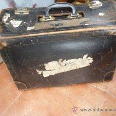 Antigüedades: PAREJA DE MALETAS. Lote 36654540