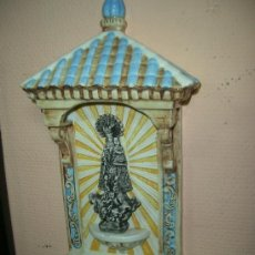 Antigüedades: PILA BENDITERA DE CERÁMICA DE TRIANA. MEDIDAS 35 CM.. Lote 36724429