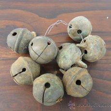Antigüedades: 8 CASCABELES PARA OBEJAS DE BRONCE. Lote 36743483