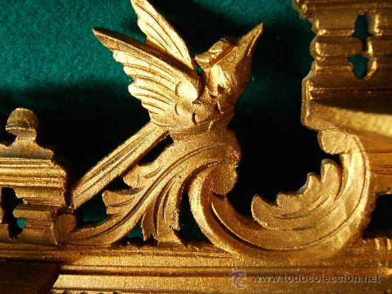 Antigüedades: EXPOSITOR MENSULA REPISA PARA COLGAR, DE MADERA PINTADA CON PAN DE ORO - 32X28 CM. - AÑO 1898. - Foto 2 - 36746239