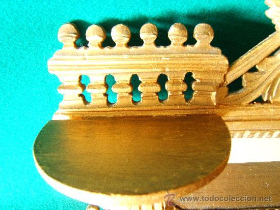 Antigüedades: EXPOSITOR MENSULA REPISA PARA COLGAR, DE MADERA PINTADA CON PAN DE ORO - 32X28 CM. - AÑO 1898. - Foto 5 - 36746239