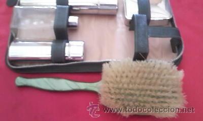 Antigüedades: Antiguo neceser de señora con peine y cepillo de baquelita verde. - Foto 4 - 36842012