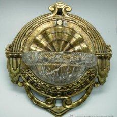 Antigüedades: APLIQUE LUZ ART DECÓ BRONCE Y CRISTAL TALLADO AÑOS 30. Lote 36887989