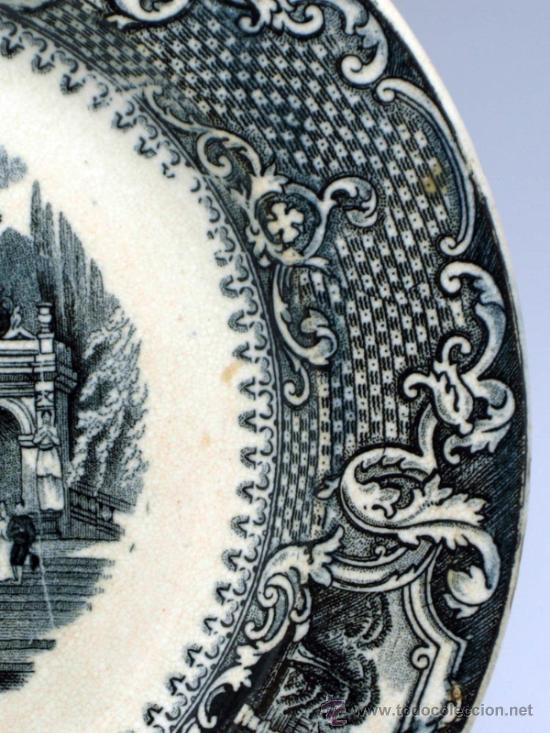 Antigüedades: Plato llano negro loza San Juan de Aznalfarache serie vistas Doria jardín romántico S XIX - Foto 4 - 36885929