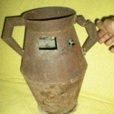 Antigüedades: ANTIGUA CANTARO DE OJALATA LECHERA GRANDE PARA RESTAURAR O DECORAR.....MIDE 41 CM ALTURA. Lote 36887290