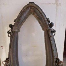 Antigüedades: COLLERON DE ARTILLERIA MONTADA MODELO 1899, EXTENSIBLE EN LONGUITUD Y ANCHURA 50 X 23 CM. Lote 36896294