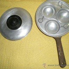 Antigüedades: ANTIGUO CAZO PARA FLANES COMPLETO AÑOS 40 EN ALUMINIO HOJALATA Y BAQUELITA MUY RARO!!.... Lote 36897378