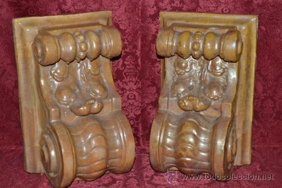 MAGNIFICA PAREJA DE CANES REFLEJOS DORADOS EN CERAMICA DE TRIANA,(SEVILLA) (Antigüedades - Porcelanas y Cerámicas - Triana)