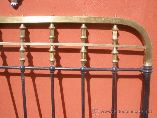 Antigüedades: ANTIGUA CAMA DE HIERRO Y LATÓN. 130CM - Foto 4 - 36955361