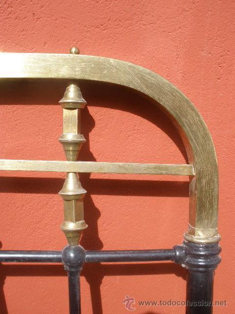 Antigüedades: ANTIGUA CAMA DE HIERRO Y LATÓN. 130CM - Foto 5 - 36955361