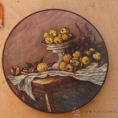 Antigüedades: PLATO EN CERAMICA PINTADO A MANO Y FIRMADO. Lote 36970497