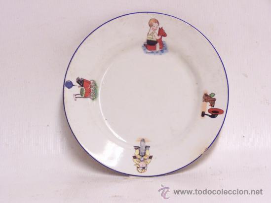 PLATO DE NIÑO CON DIBUJOS CURIOSOS. FABRICA DE SAN DE SAN JUAN EN SEVILLA AÑOS 20 (Antigüedades - Porcelanas y Cerámicas - San Juan de Aznalfarache)
