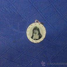 Antigüedades: RELIQUIA, USADA POR LA VENERABLE RAFAELA Mª DEL S. CORAZON. MED. 2,8 CM.. Lote 37025722