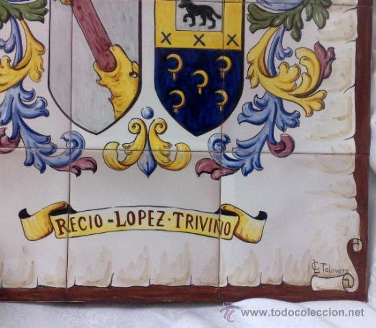 Antigüedades: PLAFÓN DE AZULEJOS EN CERÁMICA TALAVERANA CON ESCUDO NOBILIARIO, FIRMADO. - Foto 8 - 37041202