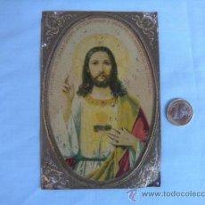 Antigüedades: ANTIGUA CHAPA LITOGRAFIADA CON CORAZÓN DE JESÚS. Lote 37084426